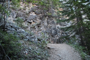 Trail to Emperor Falls