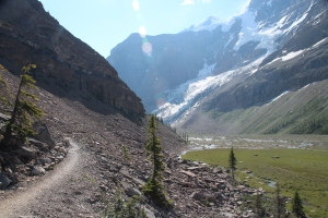 Trail to Berg Lake